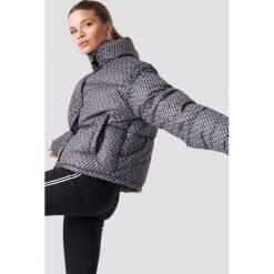 NA-KD Trend Kurtka puchowa NA-KD Logo - Black. Szare kurtki damskie puchowe marki WED'ZE, m, z materiału. Za 364,95 zł.