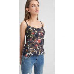 Bluzki damskie: Bluzka na ramiączkach w kwiaty
