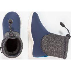 Native RANGER Śniegowce regatta blue/dublin grey/bone white. Niebieskie buty zimowe damskie Native, z materiału. W wyprzedaży za 169,50 zł.