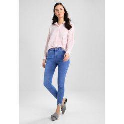 New Look FRAY HEM Jeans Skinny Fit bright blue. Czarne jeansy damskie marki New Look, z materiału, na obcasie. Za 139,00 zł.