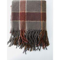 Chusta w kolorową kratkę. Szare chusty damskie Pull&Bear, w kolorowe wzory. Za 79,90 zł.