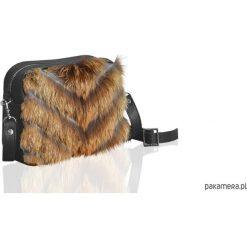 Torebka z futrem. Czarne torebki klasyczne damskie marki Pakamera, z futra, małe. Za 305,00 zł.