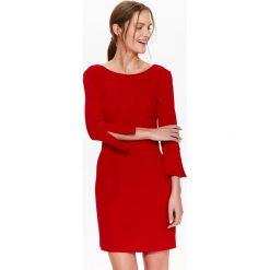 SUKIENKA DAMSKA REGULARNA Z OZDOBNYM RĘKAWEM. Czerwone sukienki balowe Top Secret, na lato. Za 74,99 zł.