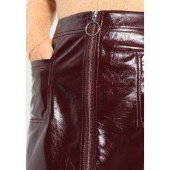 Minispódniczki: Topshop CRACKED ZIP Spódnica trapezowa burgundy