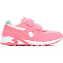 Różowe Buty Sportowe Team Leader. Czerwone buty sportowe dziewczęce marki Born2be, z okrągłym noskiem, na rzepy. Za 49,99 zł.