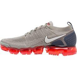 Nike Performance AIR VAPORMAX FLYKNIT 2 Obuwie do biegania treningowe dark stucco/grey fog/obsidian/habanero red. Czarne buty do biegania męskie marki Nike Performance, l, z materiału. Za 879,00 zł.