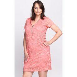 Sukienki: Koralowa Sukienka Hawthorn