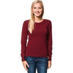 Sweter w kolorze bordowym. Czerwone swetry klasyczne damskie marki William de Faye, z kaszmiru, z okrągłym kołnierzem. W wyprzedaży za 113,95 zł.