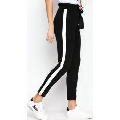 Spodnie dresowe damskie: Czarno-Białe Spodnie Dresowe Two Colors