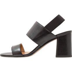 KIOMI Sandały black. Czarne sandały damskie KIOMI, z materiału. Za 299,00 zł.