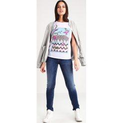 Liu Jo Jeans BOTTOM UP MAGNETIC     Jeansy Slim Fit mid blue. Niebieskie boyfriendy damskie Liu Jo Jeans. W wyprzedaży za 342,30 zł.
