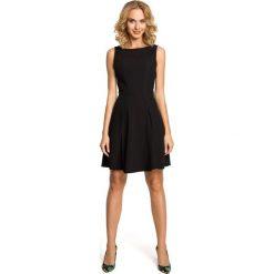 ROSE Gładka sukienka bez rękawów - czarna. Czarne sukienki rozkloszowane Moe, bez rękawów. Za 179,00 zł.