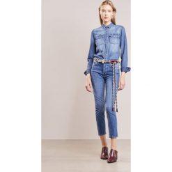 J.LINDEBERG STUDY BRAKE Jeansy Slim Fit mid blue. Niebieskie jeansy damskie J.LINDEBERG, z bawełny. W wyprzedaży za 439,20 zł.