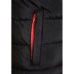 Retour Jeans MERIDA Kurtka zimowa black. Żółte kurtki chłopięce zimowe marki Retour Jeans, z jeansu. W wyprzedaży za 255,20 zł.