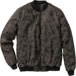 Kurtka ze sztucznej skóry Regular Fit bonprix czarno-szary moro. Czarne kurtki męskie bomber bonprix, m, moro, ze skóry. Za 124,99 zł.