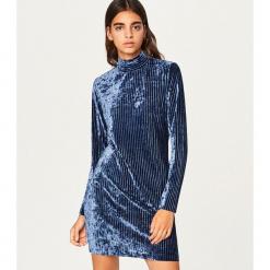 Sukienka o aksamitnym połysku - Granatowy. Niebieskie sukienki marki Reserved, l. Za 89,99 zł.