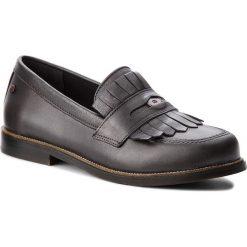 Półbuty TOMMY HILFIGER - Metallic Leather Penny Loafer FW0FW03402  Dark Silver 015. Czarne półbuty damskie skórzane marki TOMMY HILFIGER, z okrągłym noskiem, na obcasie. W wyprzedaży za 519,00 zł.
