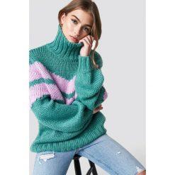 Glamorous Sweter z golfem - Green. Różowe golfy damskie marki Glamorous, z nadrukiem, z asymetrycznym kołnierzem, asymetryczne. Za 283,95 zł.