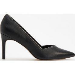 Czółenka na wysokim obcasie - Czarny. Białe buty ślubne damskie marki Reserved, na wysokim obcasie. Za 159,99 zł.