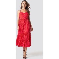 Trendyol Sukienka midi na ramiączkach - Red. Szare sukienki na komunię marki Trendyol, na co dzień, z elastanu, casualowe, midi, dopasowane. Za 100,95 zł.