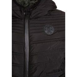 Redskins BANG Kurtka zimowa black. Czarne kurtki chłopięce zimowe marki Redskins, z materiału. W wyprzedaży za 239,25 zł.