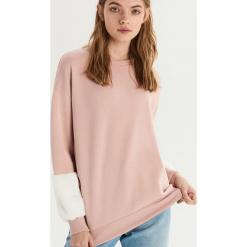 Bluza z pluszowymi rękawami - Różowy. Czerwone bluzy damskie Sinsay, l. Za 49,99 zł.