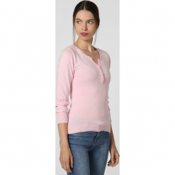 Sweter w kolorze jasnoróżowym. Czerwone swetry klasyczne damskie marki William de Faye, z kaszmiru. W wyprzedaży za 136,95 zł.