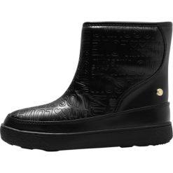 Love Moschino Śniegowce black. Szare buty zimowe damskie marki Love Moschino, z materiału. W wyprzedaży za 354,50 zł.