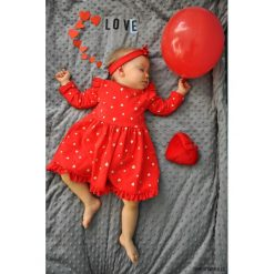 Sukienka red MY HEARTS. Czerwone sukienki dziewczęce Pakamera, z bawełny, z długim rękawem, długie. Za 95,00 zł.