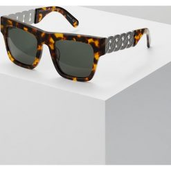 Stella McCartney Okulary przeciwsłoneczne avanna/green. Brązowe okulary przeciwsłoneczne damskie lenonki marki Stella McCartney. W wyprzedaży za 1000,30 zł.