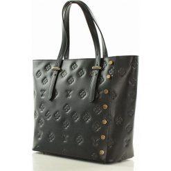 Kuferki damskie: Włoska skórzana torebka z nadrukiem PAOLA czarna