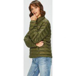 Mustang - Kurtka. Niebieskie kurtki damskie pikowane marki Mustang, z aplikacjami, z bawełny. W wyprzedaży za 239,90 zł.