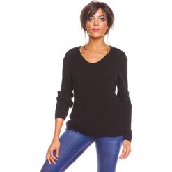 """Sweter """"Carmen"""" w kolorze czarnym. Czarne swetry oversize damskie marki So Cachemire, s, z kaszmiru. W wyprzedaży za 173,95 zł."""