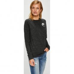 Nike Sportswear - Bluzka. Czarne bluzki asymetryczne Nike Sportswear, m, z bawełny, z okrągłym kołnierzem. W wyprzedaży za 169,90 zł.