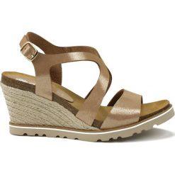 Rzymianki damskie: Skórzane sandały w kolorze beżowym
