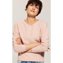 Sweter o ryżowym splocie - Różowy. Szare swetry klasyczne damskie marki House, l, z dzianiny. Za 69,99 zł.