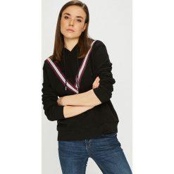 Vero Moda - Bluza. Czarne bluzy z kapturem damskie marki Vero Moda, l, z aplikacjami, z bawełny. Za 129,90 zł.