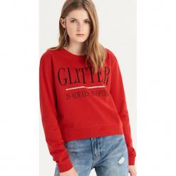 Bluza z napisem - Czerwony. Czarne bluzy damskie marki Reserved, l, z napisami. Za 39,99 zł.