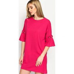 Fuksjowa Sukienka Pleated Sleeves. Czerwone sukienki mini marki Mohito, l, z materiału, z falbankami. Za 64,99 zł.