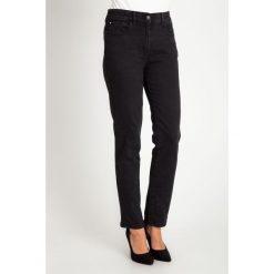 Czarne proste jeansy QUIOSQUE. Czarne boyfriendy damskie QUIOSQUE. W wyprzedaży za 119,99 zł.