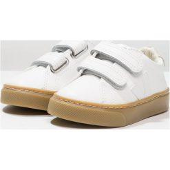 Veja ESPLAR SMALL VELCRO Tenisówki i Trampki extra white. Białe tenisówki męskie marki Veja, z kauczuku. Za 329,00 zł.
