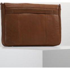 KIOMI Torba na ramię brown. Brązowe torby na ramię męskie marki Kazar, ze skóry, przez ramię, małe. W wyprzedaży za 189,50 zł.