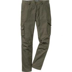 Spodnie bojówki ocieplane z powłoką z teflonu Loose Fit bonprix ciemnooliwkowy. Zielone bojówki męskie marki bonprix. Za 139,99 zł.