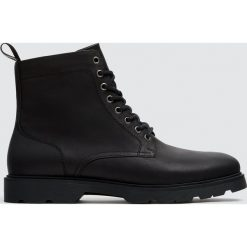 Czarne kozaki mod state. Czarne buty zimowe męskie Pull&Bear. Za 249,00 zł.