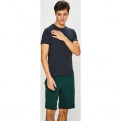 Emporio Armani - Piżama. Szare piżamy męskie marki Emporio Armani, l, z nadrukiem, z bawełny, z okrągłym kołnierzem. Za 439,90 zł.
