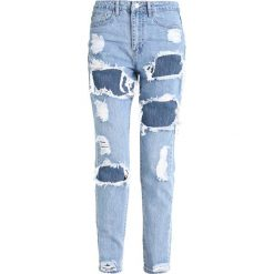 Rurki damskie: Missguided RIOT HIGH RISE RIPPED MOM STONEWASH Jeansy Slim Fit stone