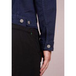 BOSS CASUAL HAVANA Kurtka wiosenna dark blue. Niebieskie kurtki męskie marki BOSS Casual, m, z bawełny, casualowe. W wyprzedaży za 351,60 zł.