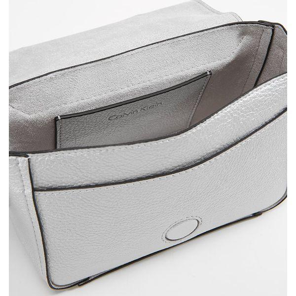 bf6cbd0dc8f6e Calvin Klein LUNA SMALL Torba na ramię silver - Szare torebki ...