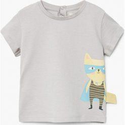 Mango Kids - T-shirt dziecięcy Heroe 62-80 cm. Szare t-shirty chłopięce z nadrukiem marki Mango Kids, z bawełny, z okrągłym kołnierzem. W wyprzedaży za 19,90 zł.