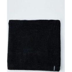 Ocieplany szalik w formie komina. Czarne szaliki męskie Pull&Bear. Za 69,90 zł.